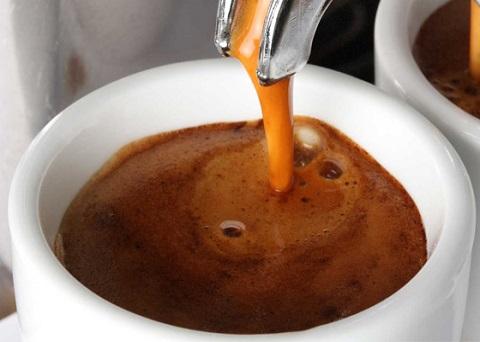 Le 10 cose da non fare quando si beve un caffè a Napoli