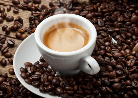 Come utilizzare il caffè contro gli insetti