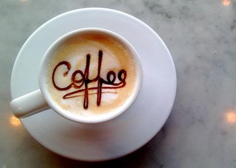Come bere caffè migliora le nostre performance atletiche